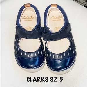 ▪️CLARKS▪️Baby Girl Mary Jane's SZ 5